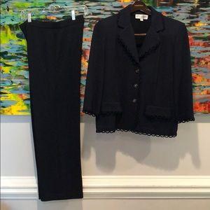 St John navy knit pant suit Size 8 pant/14 jacket